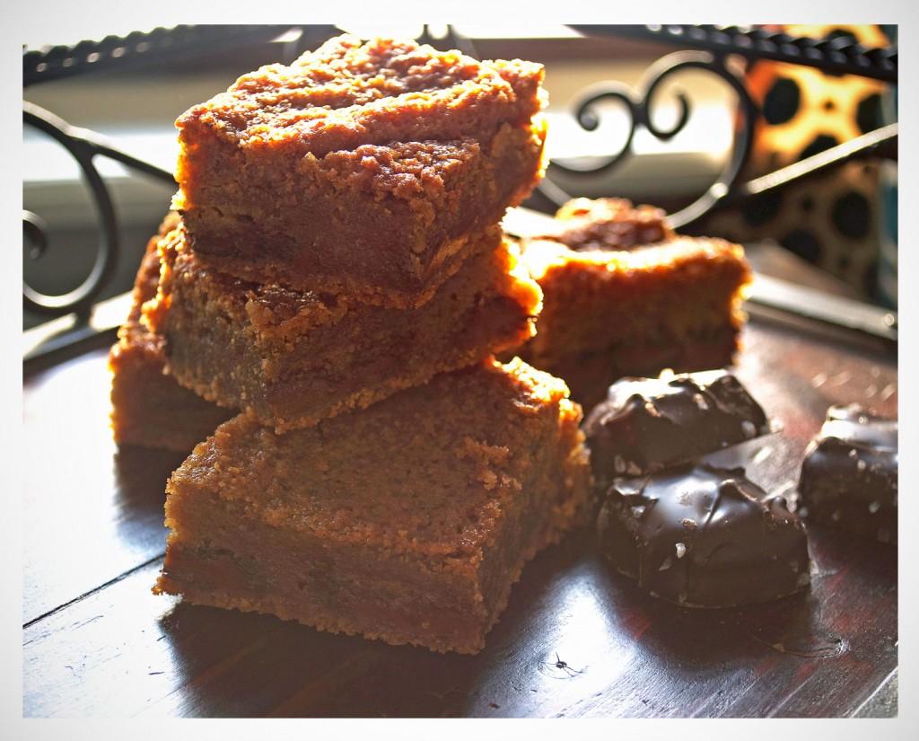 Salted Chocolate Caramel Blondies   OfBatterAndDough.com