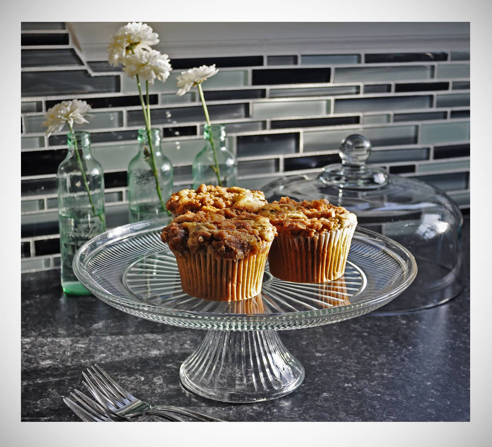 Chocolate Chunk Banana Muffins with Streusel • Muffins