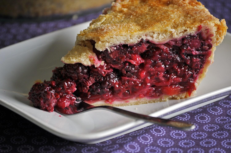 Fresh Blackberry Pie Recipe • Pie | OfBatter&Dough