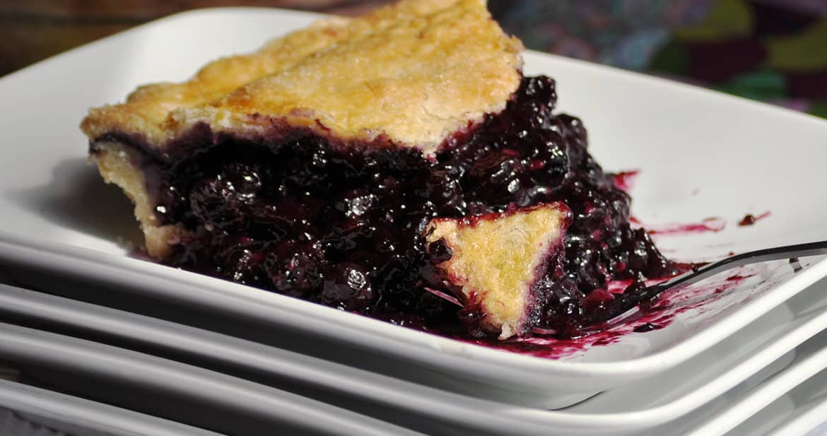 Homemade Fresh Blueberry pie | ofbatteranddough.com