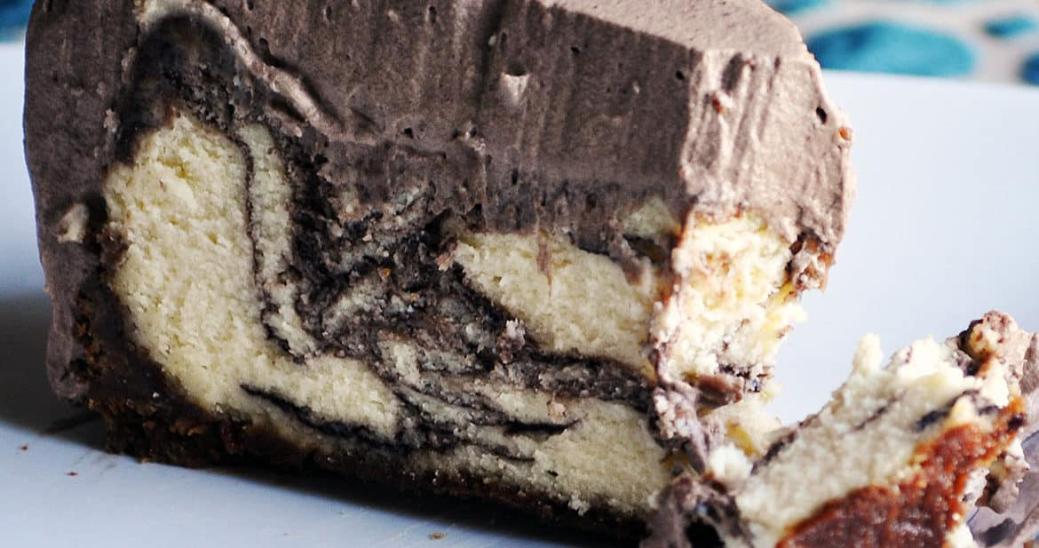 Marble Chocolate Cheesecake. New york cheesecake recipe | ofbatteranddough.com