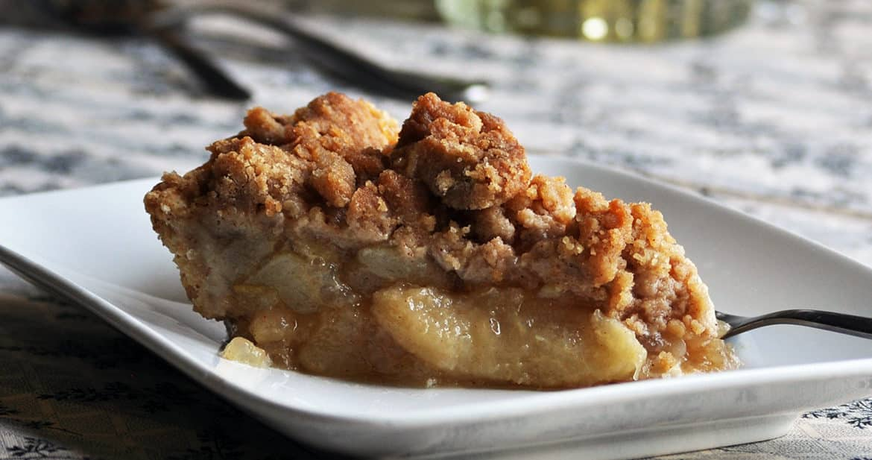 Pear Pie Recipe | ofbatteranddough.com