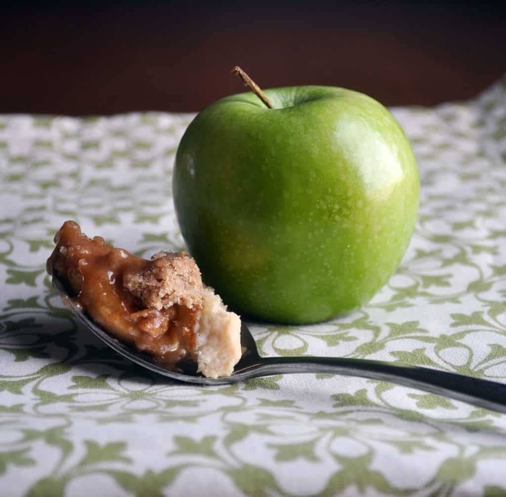 Apple Slab Pie. Gooey Caramel Apple Pie with Crumb Topping.   www.ofbatteranddough.com