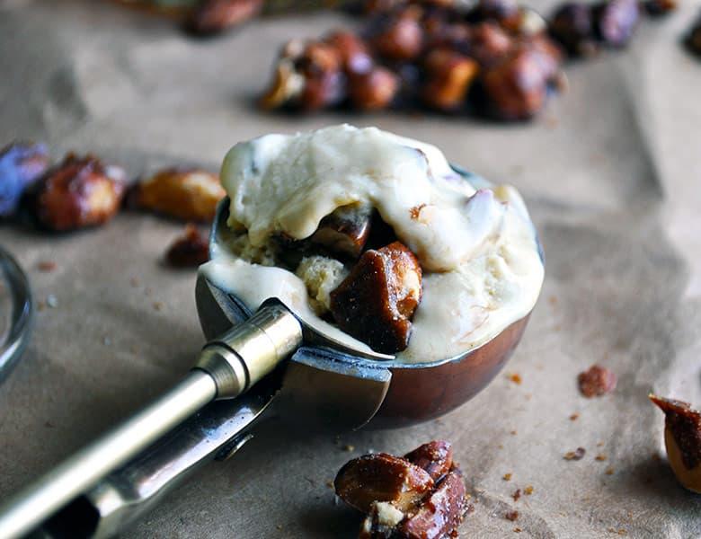 Butterscotch bourbon praline ice cream | ofbatteranddough.com