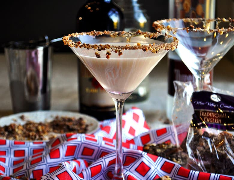 Chocolate Almond Martini | toffeetini | Martini Party | ofbatteranddough.com