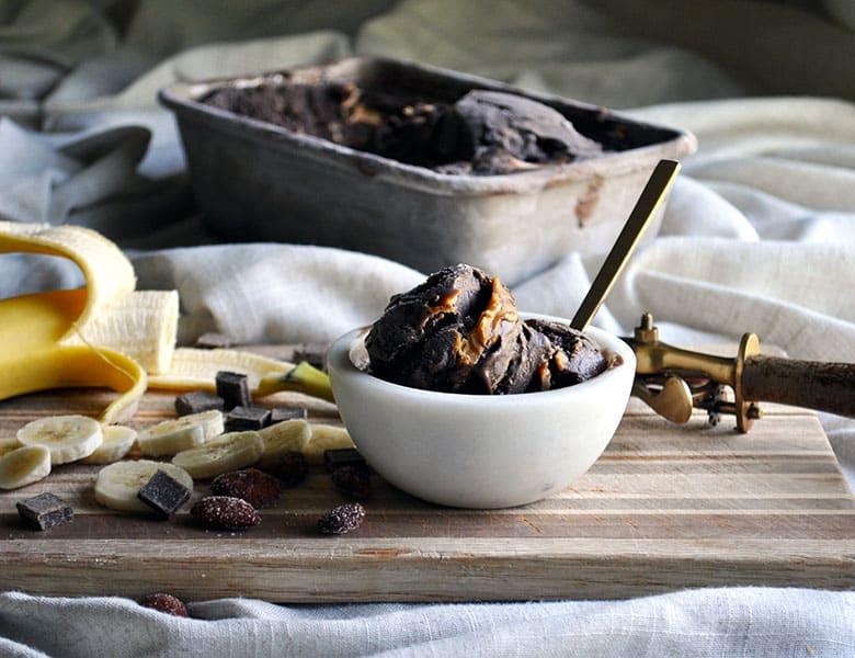 Homemade chocolate peanut butter ice cream recipe | ofbatteranddough.com