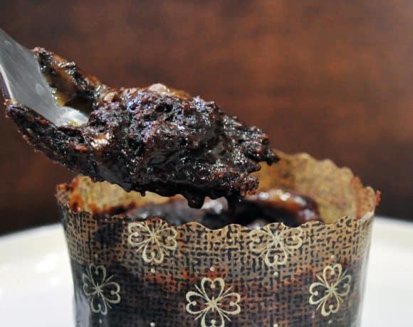 Molten Chocolate Caramel Cake | ofbatteranddough.com