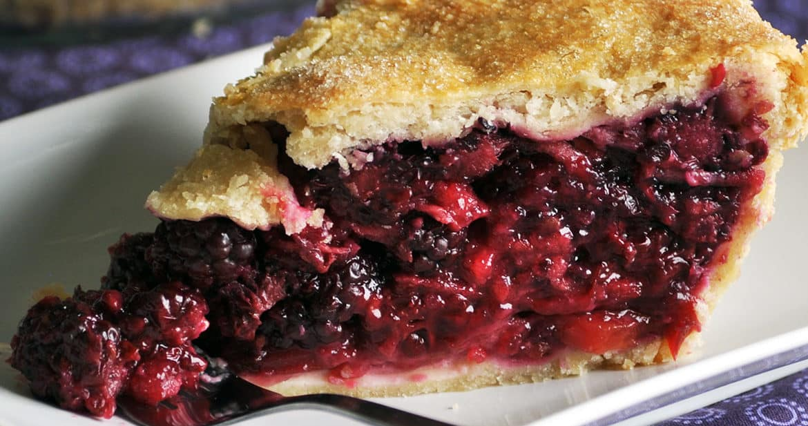 blackberry pie recipe | ofbatteranddough.com