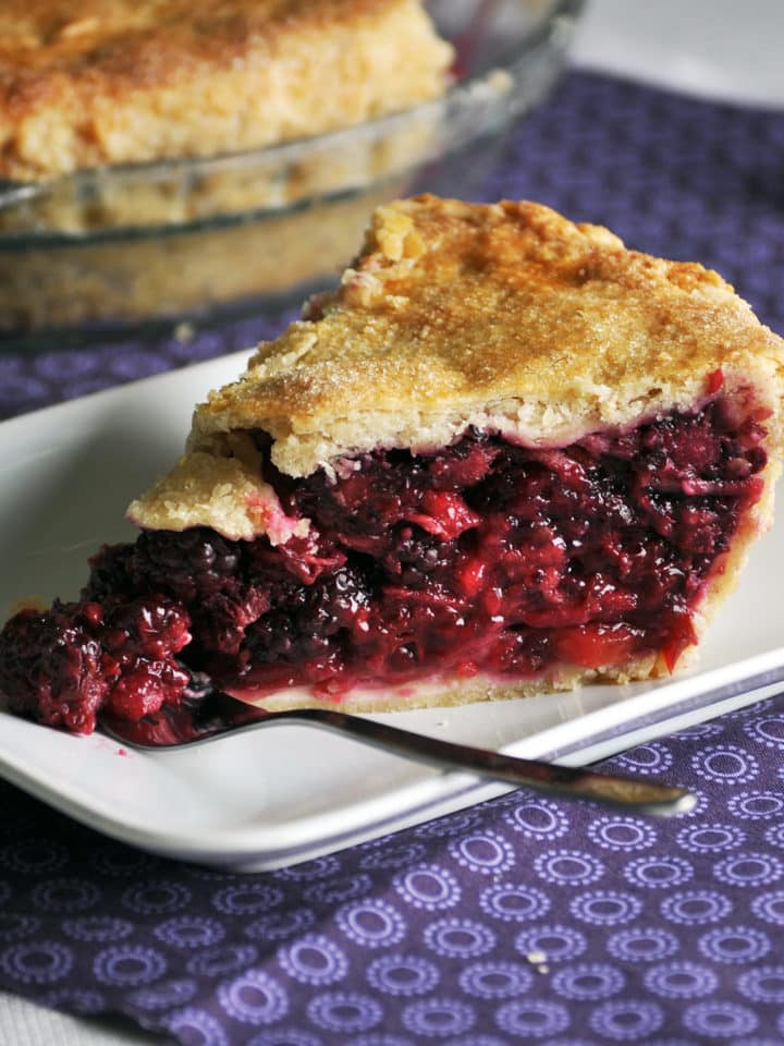 blackberry pie recipe | ofbatteranddough.com