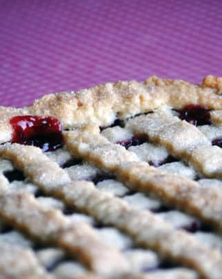 fresh cherry pie recipe | ofbatteranddough.com