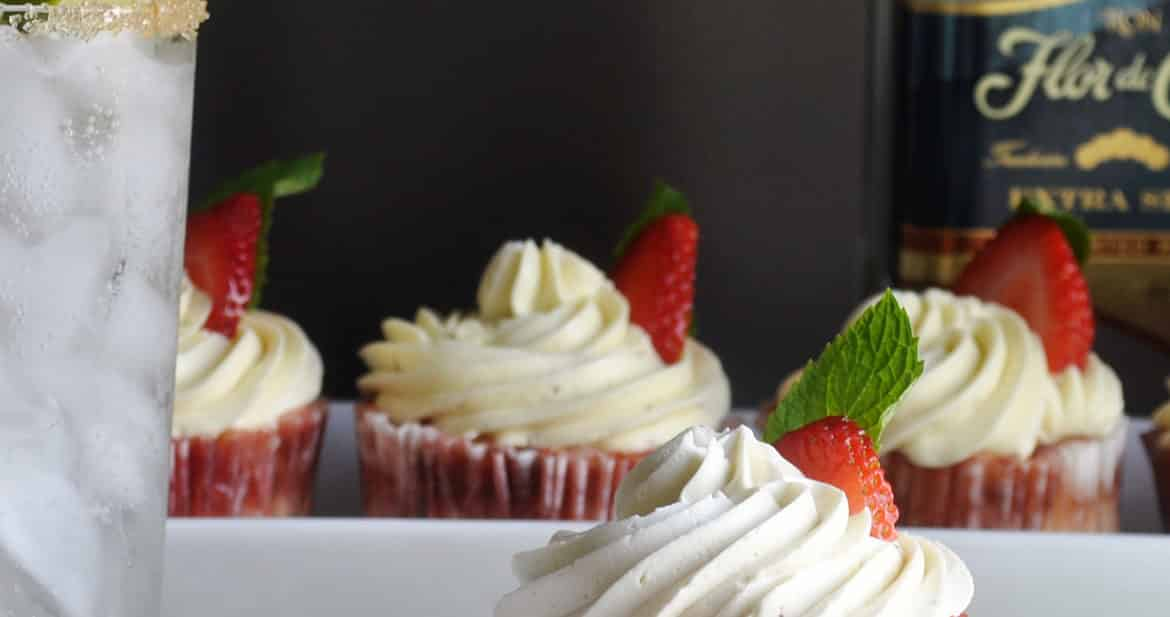 Strawberry mojito cupcakes | ofbatteranddough.com