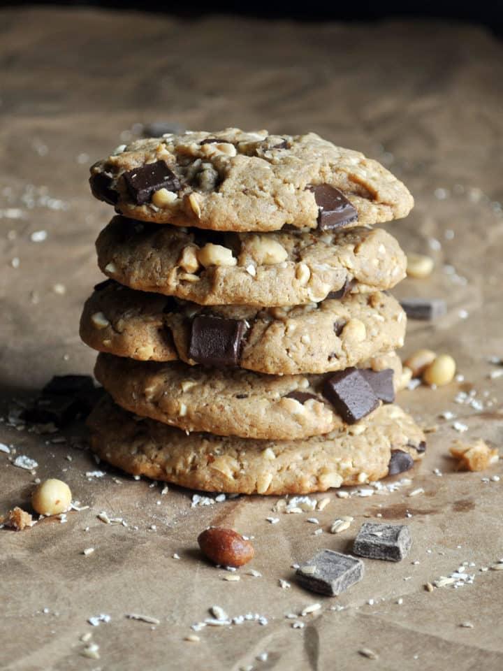 peanut butter oatmeal chocolate chip cookies | ofbatteranddough.com