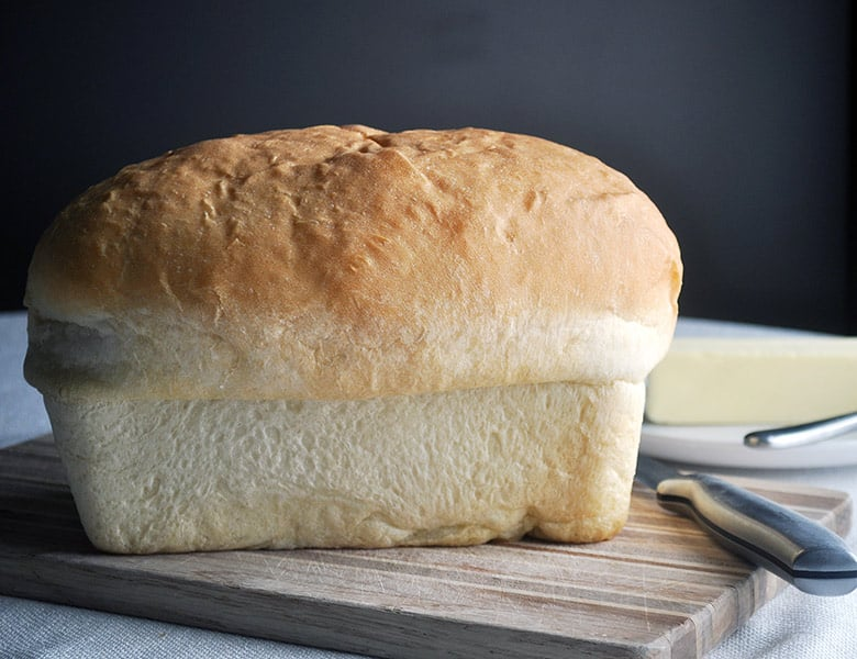 Homemade white bread recipe | ofbatteranddough.com