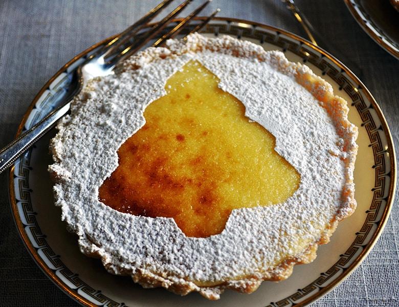 Mini Lemon Tarts | ofbatteranddough.com