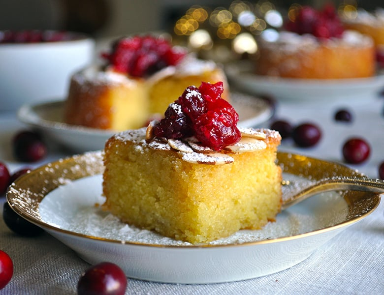 Mini Almond Cakes with Cranberry Sauce | ofbatteranddough.com