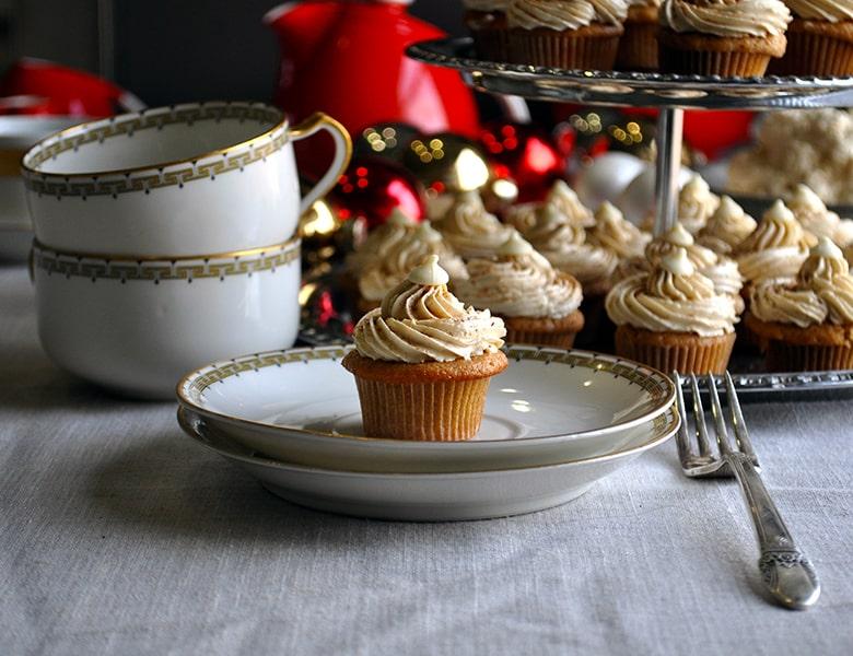 Mini-chai latte cupcakes | The 12 mini-Days of Christmas | ofbatteranddough.com