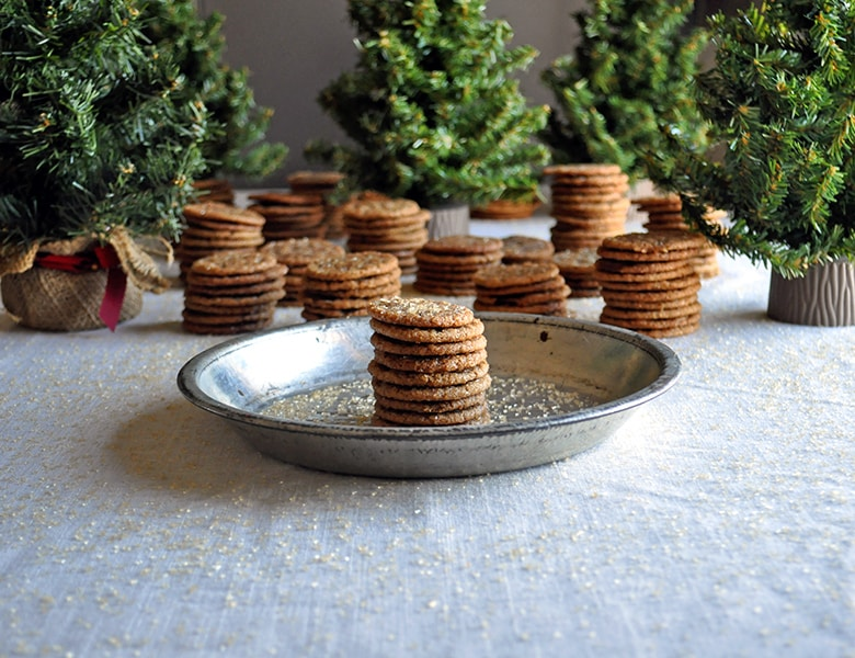 Mini Sorghum Ginger Cookies | The 12 mini days of Christmas | ofbatteranddough.com