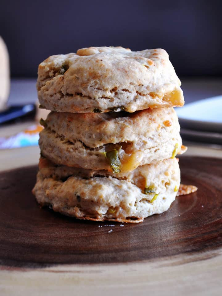 Smoked Gouda, Bacon, and Jalapeño Cream Biscuits