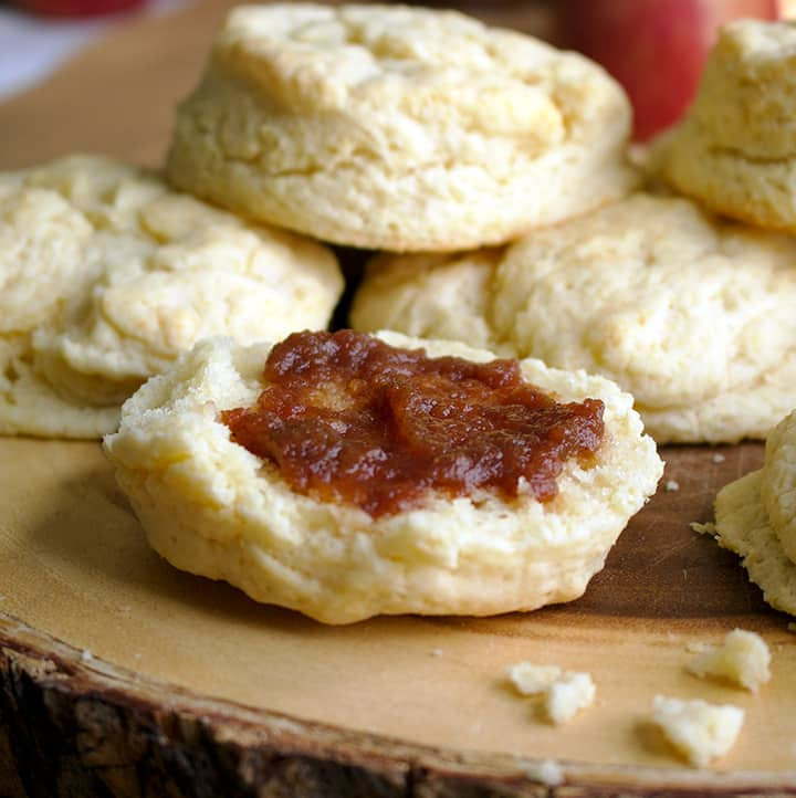 Cream biscuits with apple butter